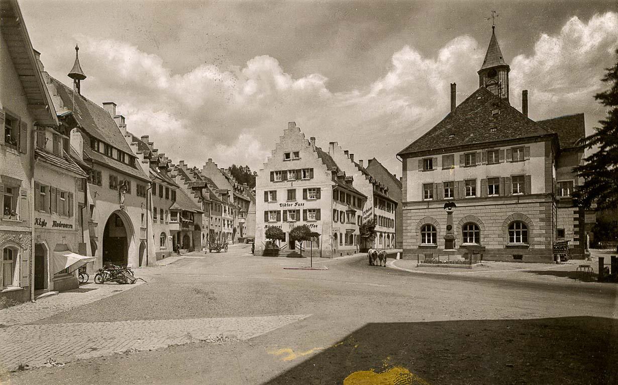 Blick auf den unteren Rathausplatz, ca. 1950-1954