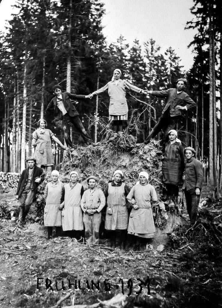 Std. TREFFPUNKT / RÄUMLICHKEIT: Schullandheimgelände, umliegende Wälder, Studienhaus Wie kann man Funde datieren und deuten?