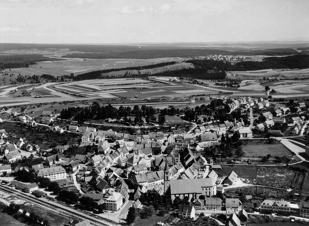 Luftaufnahme vom Städtchen, 1957