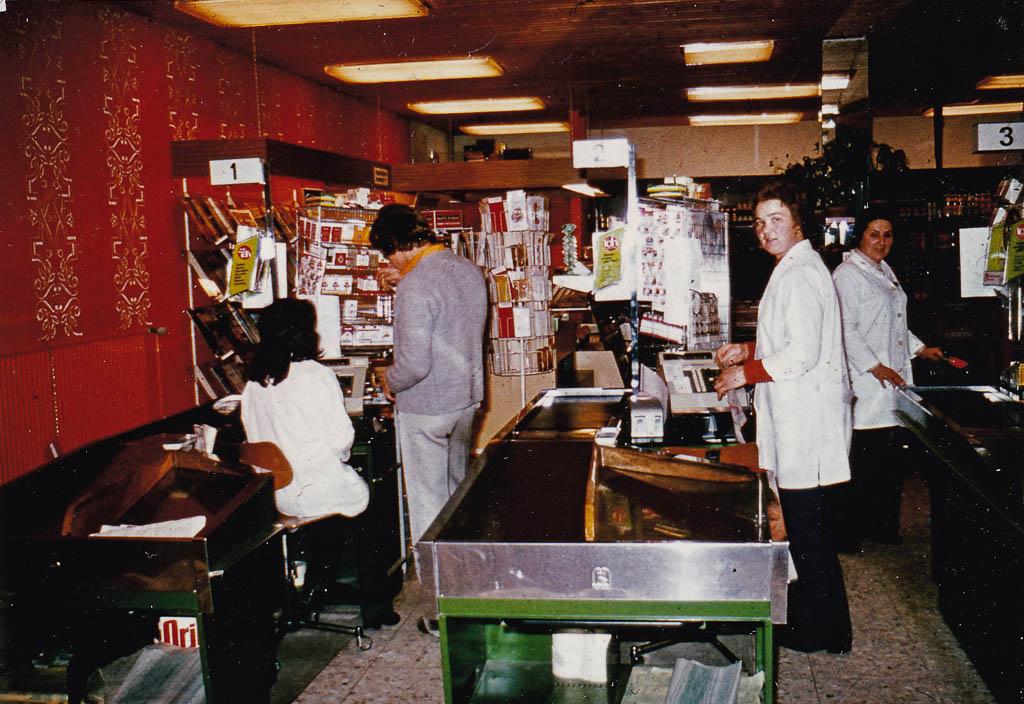 Blick in den Supermarkt »Gottlieb« in der Demetriusstraße, 1974