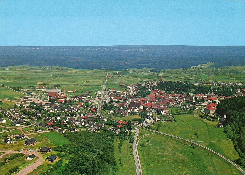 Luftbild mit Neubaugebiet Reichberg, 1977