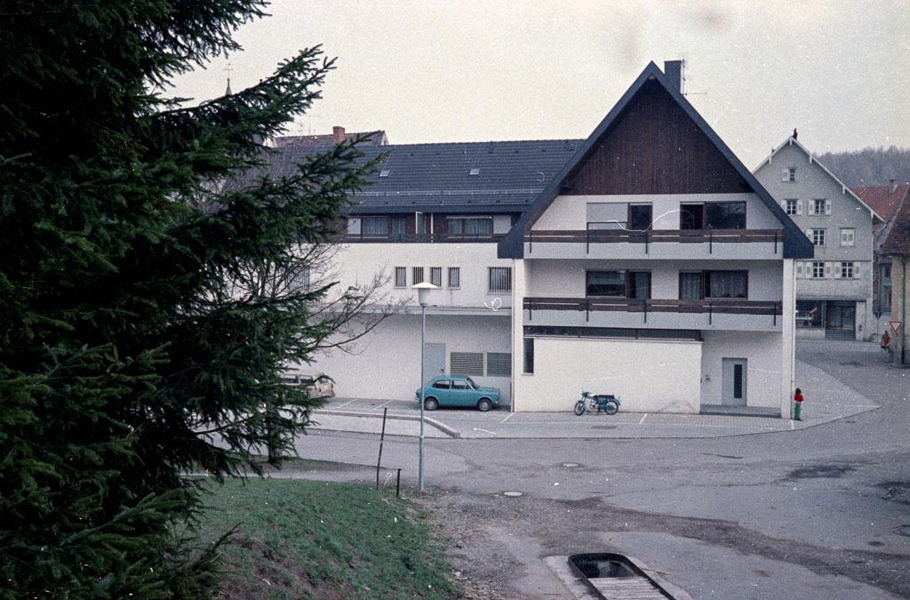 Rückseite vom Supermarkt »Gottlieb« in der Ringstraße, 1974