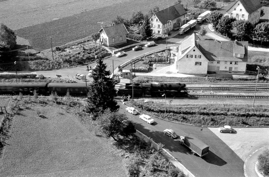 Blick vom Kirchturm in Richtung Rötenbacher Straße, 1961