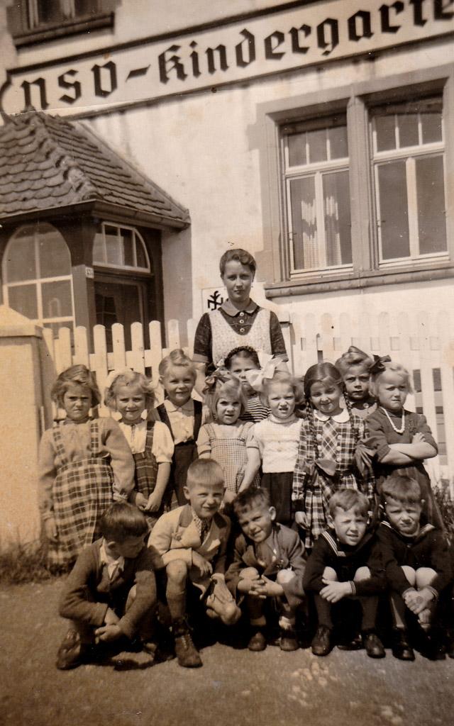 NSV-Kindergarten in der Bahnhofstraße, 1943
