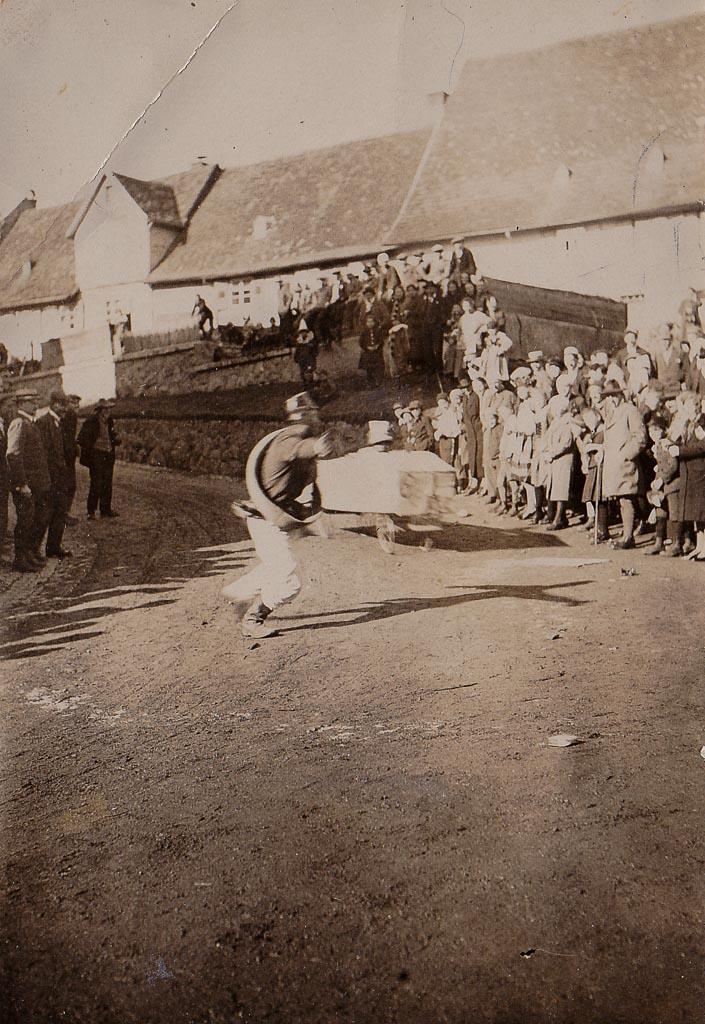 Seifenkistenrennen in der Alenbergstraße, Fasnacht 1928