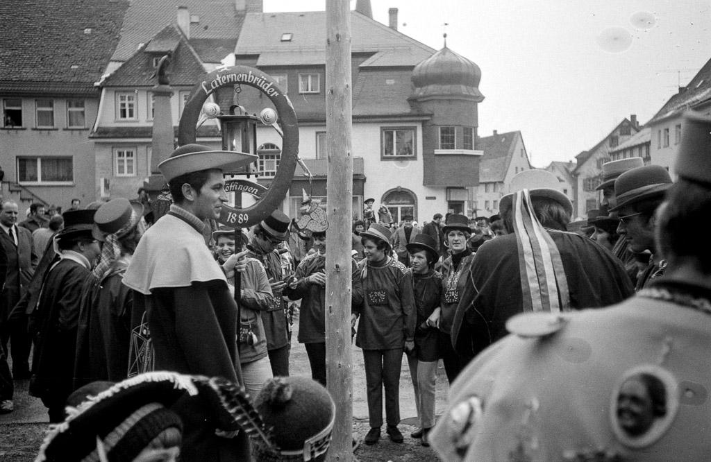 Vereidigung der Zwanzigjährigen unter dem Narrenbaum, Fasnacht 1970