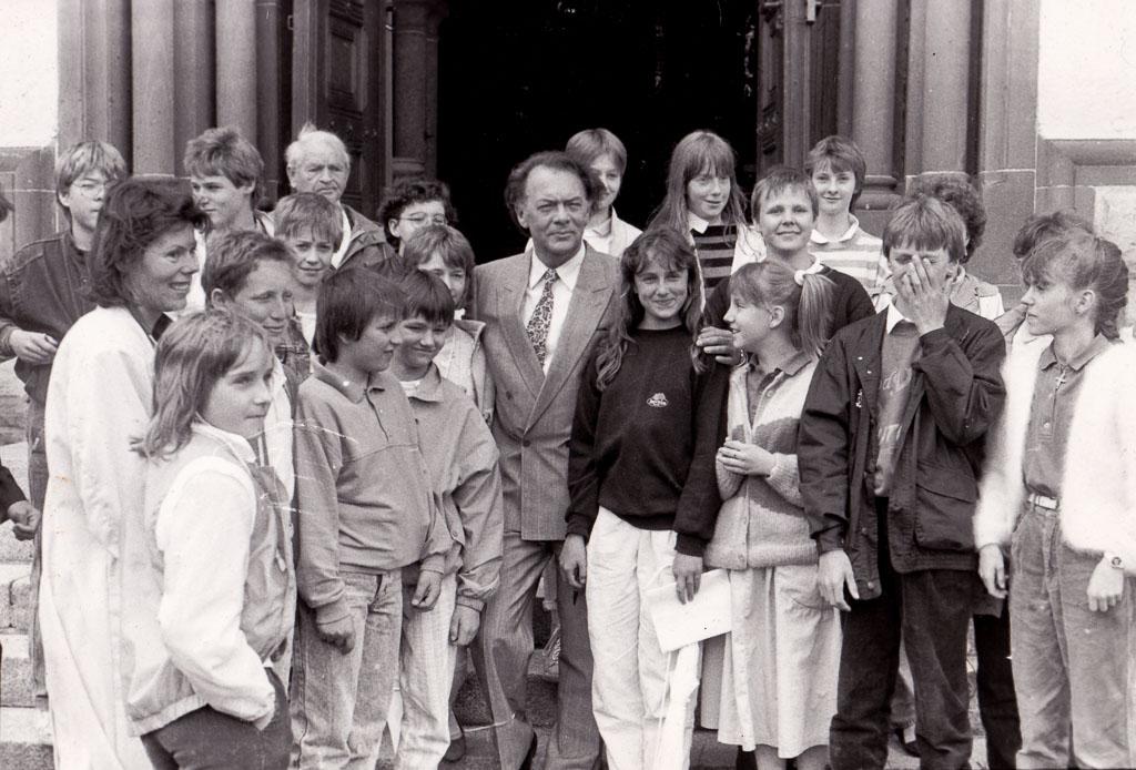 Realschüler als Komparsen bei Dreharbeiten zur »Schwarzwaldklinik«, 1987