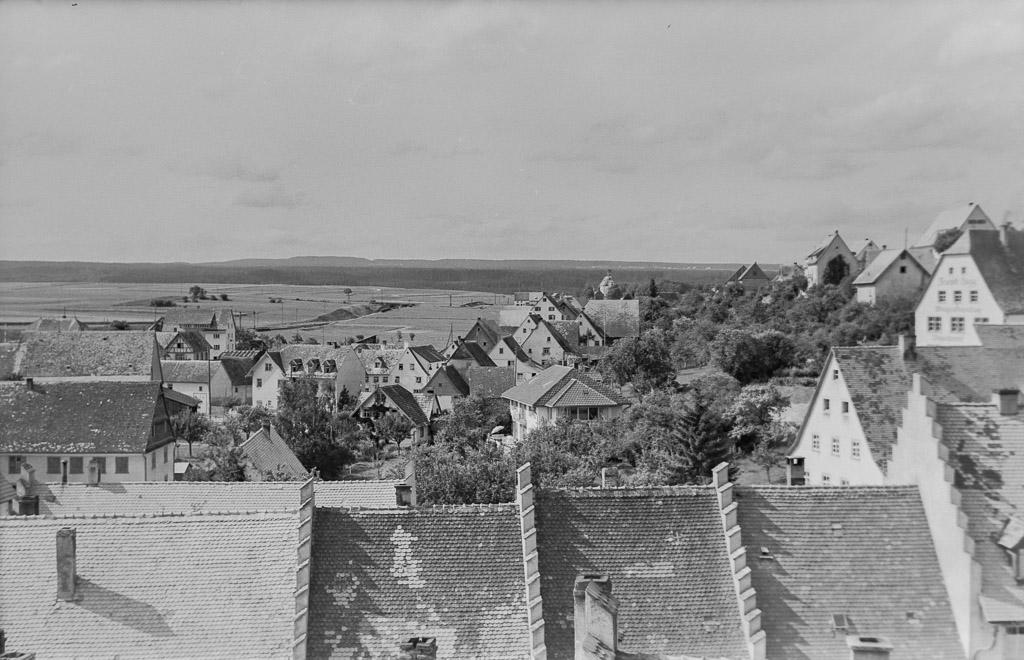 Blick vom Rathausturm ins Maienland, ca. 1955-1960