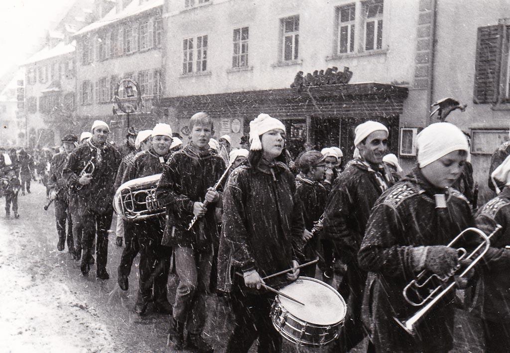Stadtmusik beim Narrenumzug, Fasnacht 1970