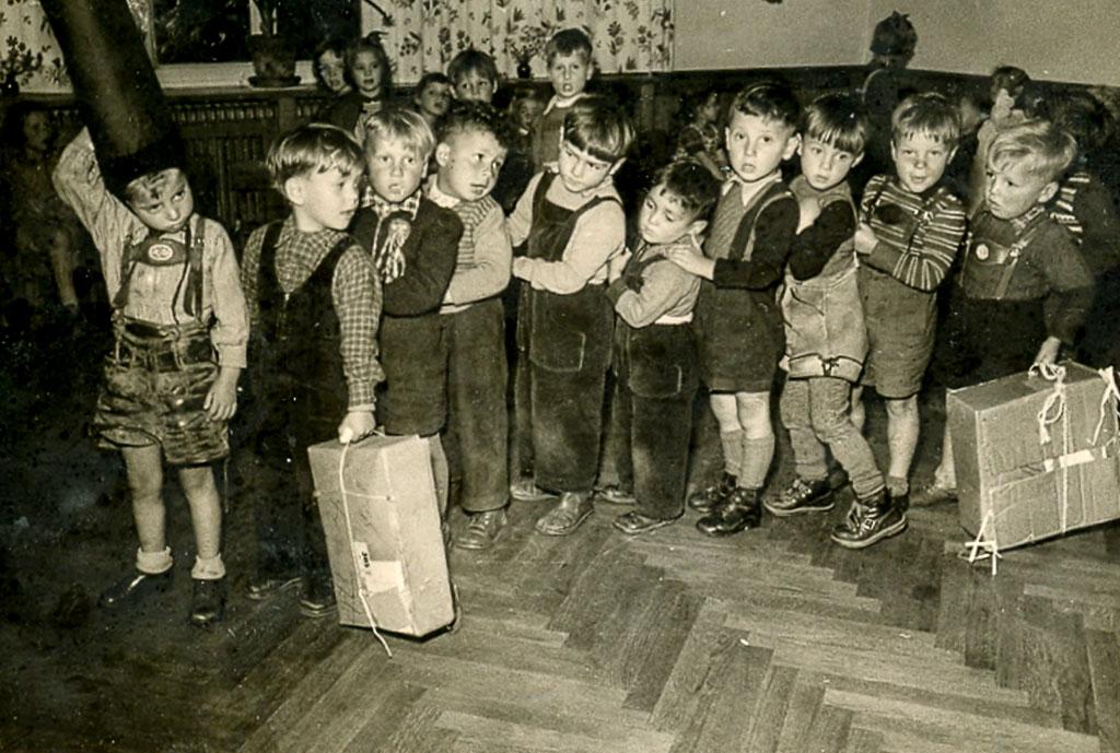Kinder im Kindergarten, ca. 1956