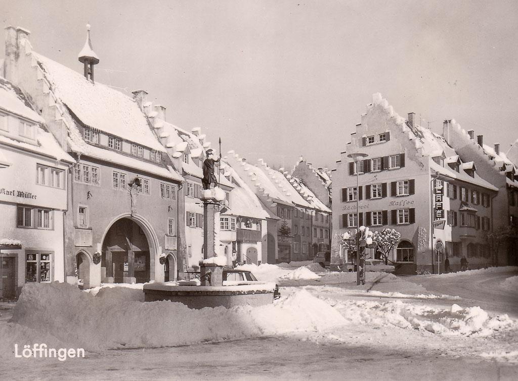 Schneeberge auf dem unteren Rathausplatz, ca. 1960-1969