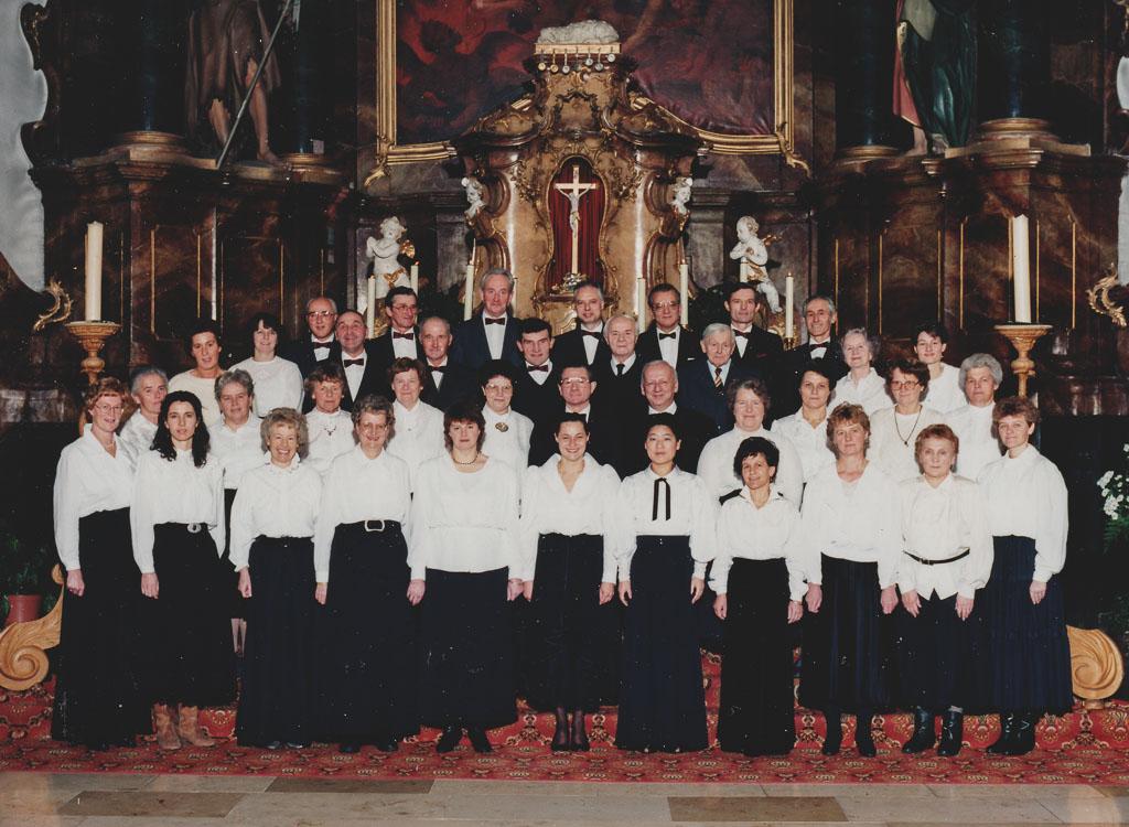 Kirchenchor mit Pfarrer Litterst, ca. 1994/94