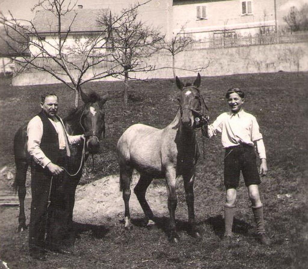 Familie Glunk mit Pferden, ca. 1945