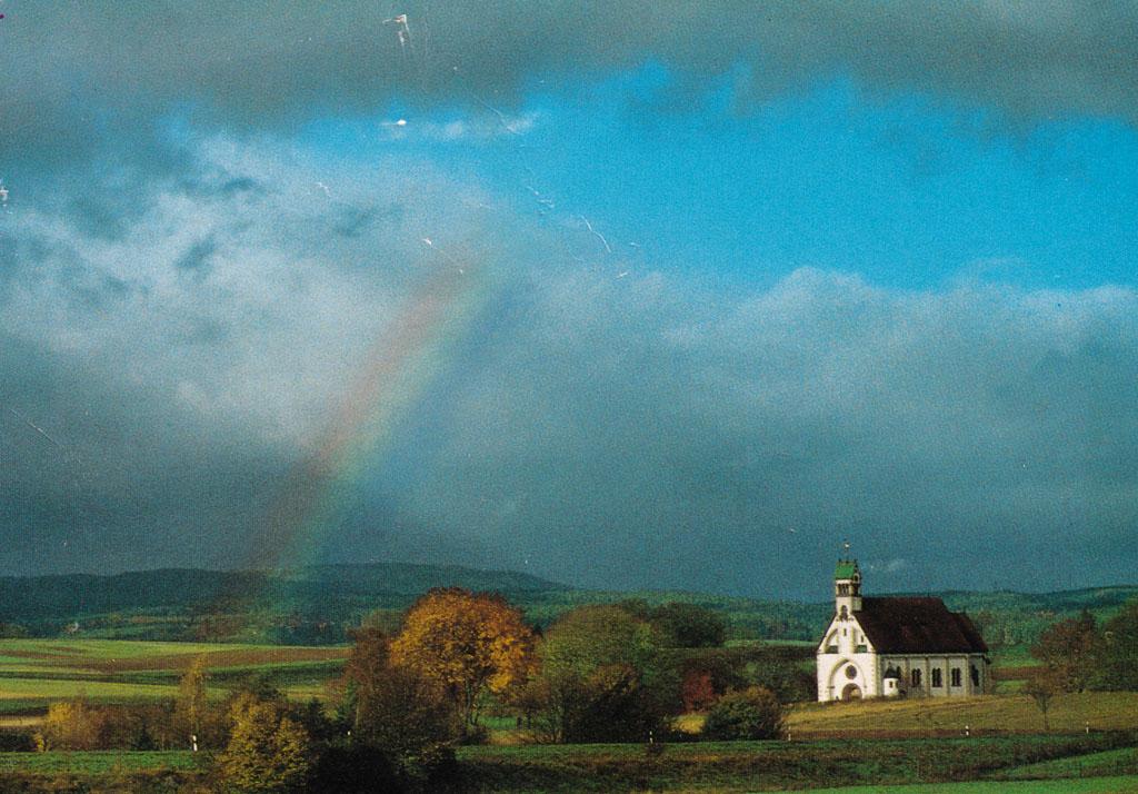 Witterschneekreuz mit Regenbogen, ca. 2000