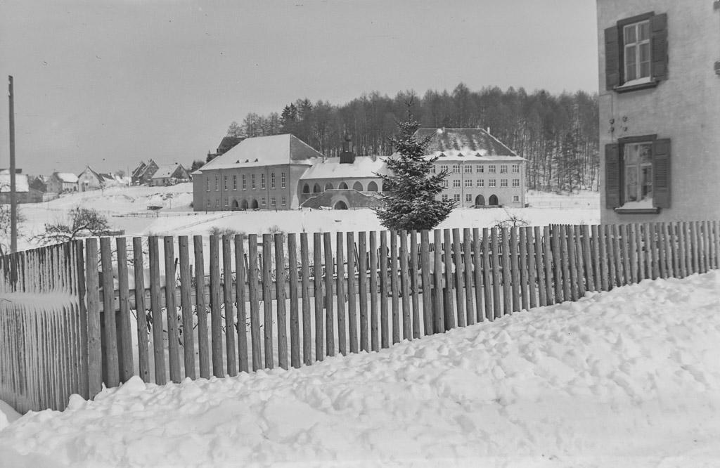Festhalle und Volksschule, ca. 1954