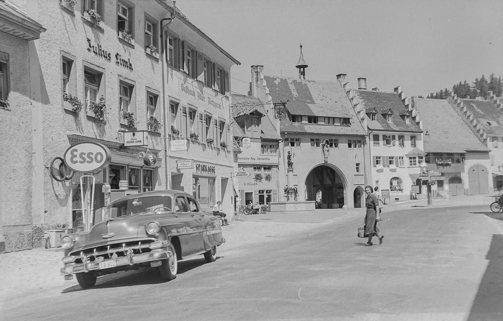 Untere Hauptstraße mit Blick zum Mailänder Tor, ca. 1955